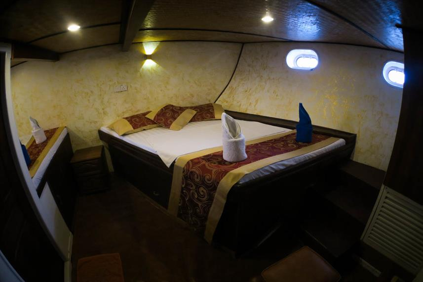 Standard Twin Room aboard Manta Cruise Liveaboard