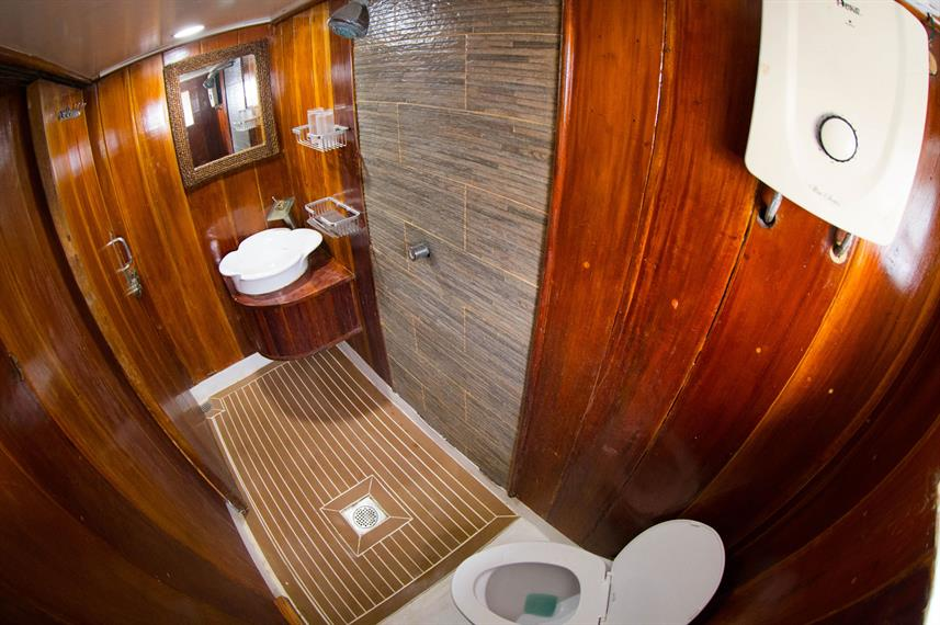 En-Suite bathrooms - Seadoors