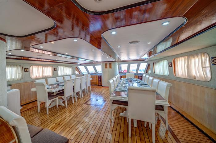 Dining Room - Seawolf Dominator