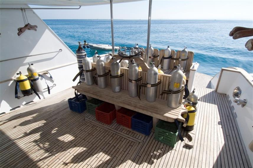 MY Dreams Liveaboard Red Sea Dive Deck