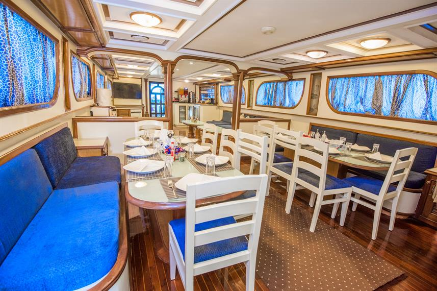 Restaurant - Dreams Liveaboard