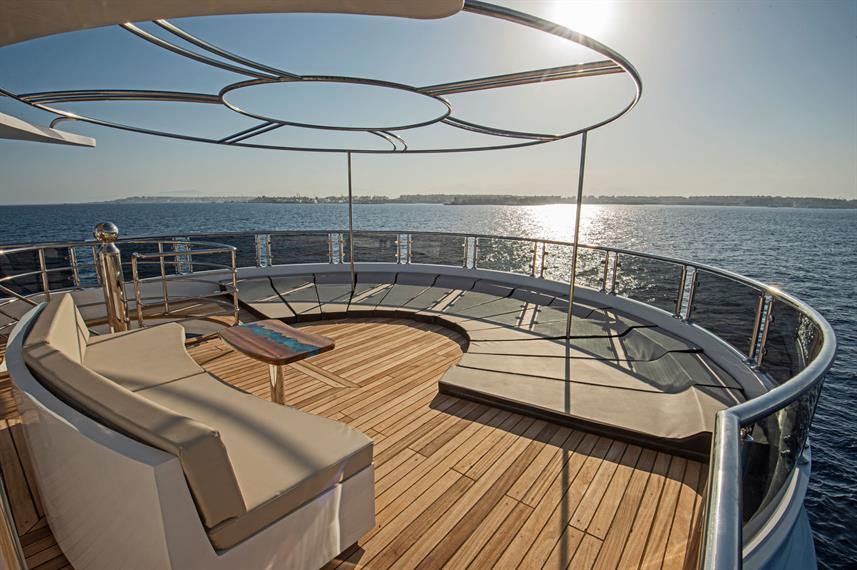 Sea Serpent Excellence Flybridge