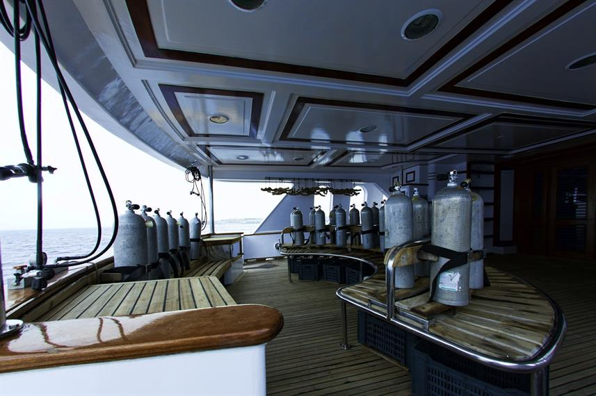 MY Grand Sea Serpent Liveaboard Red Sea Dive Deck