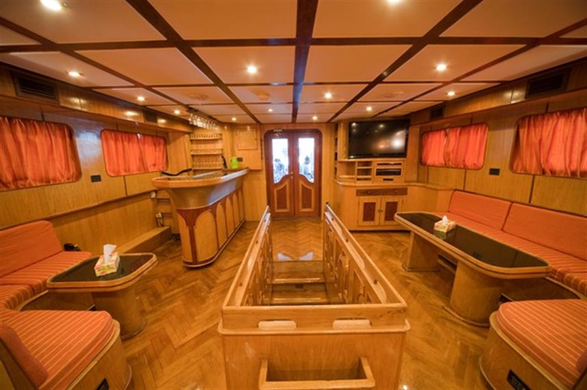 M/Y Sea Serpent Liveaboard Red Sea Salon