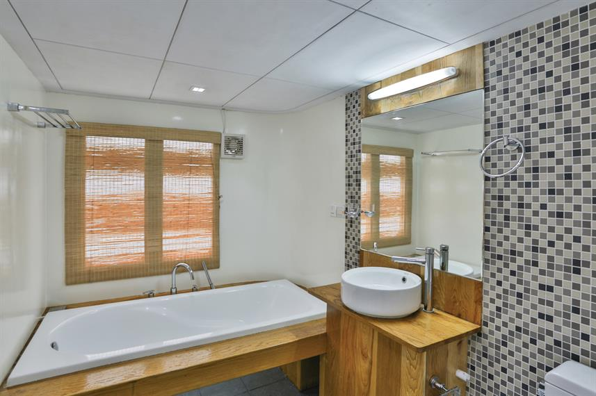 En-Suite bathrooms - Honors Legacy