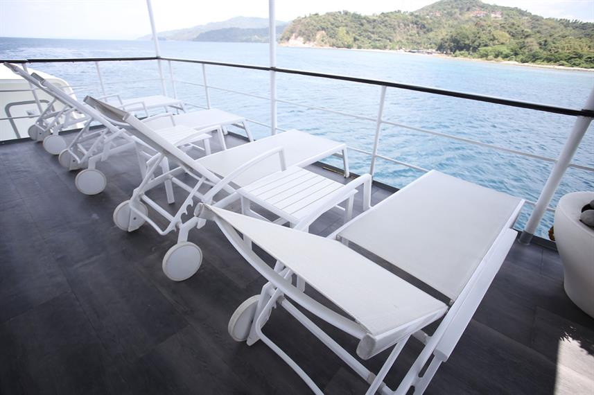 Outdoor Lounge - Stella Maris Explorer