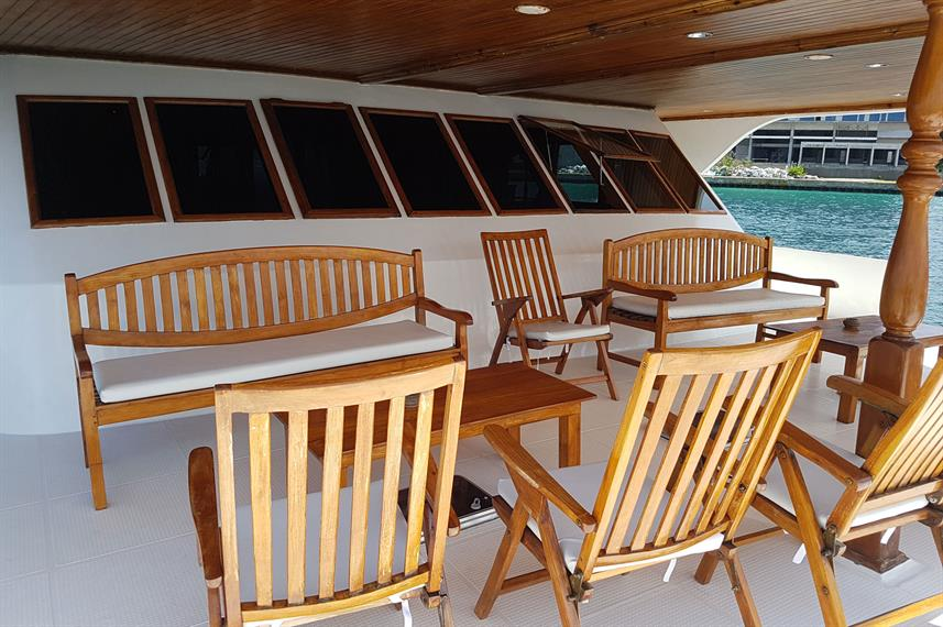 Outdoor Lounge - Moonima Live Aboard