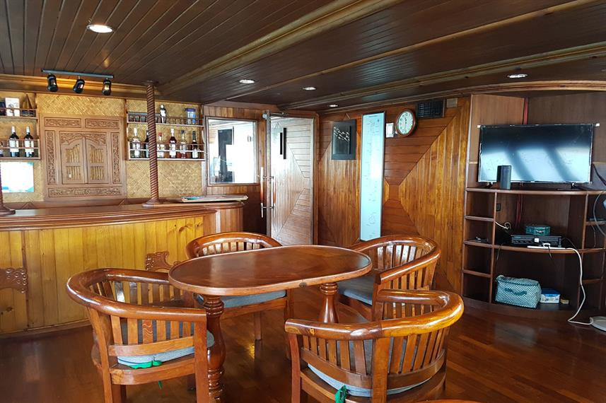 Indoor salon - Moonima Liveaboard