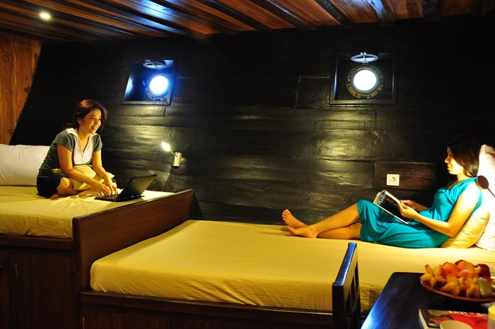 Spacious Twin Cabins - Tambora Liveaboard