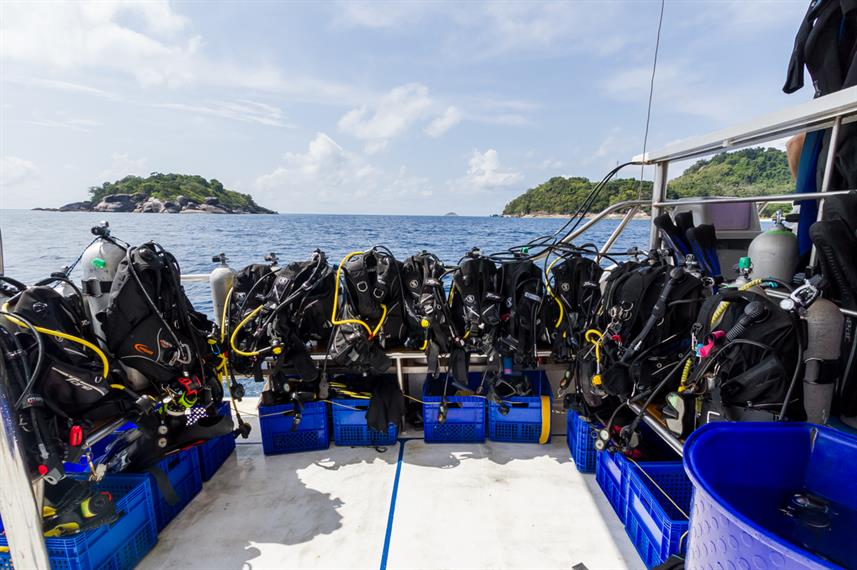 Dive Deck - MV Pawara