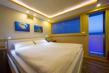 Sea View Cabins Double Bed