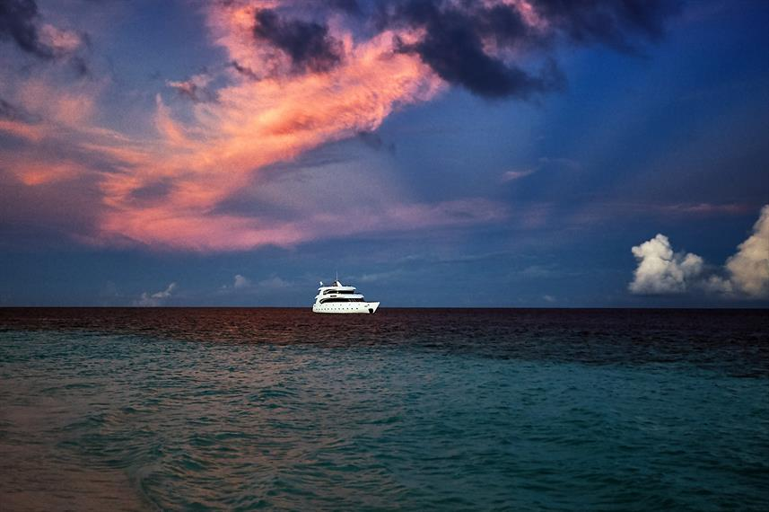 M/Y Maldiviana at sun set