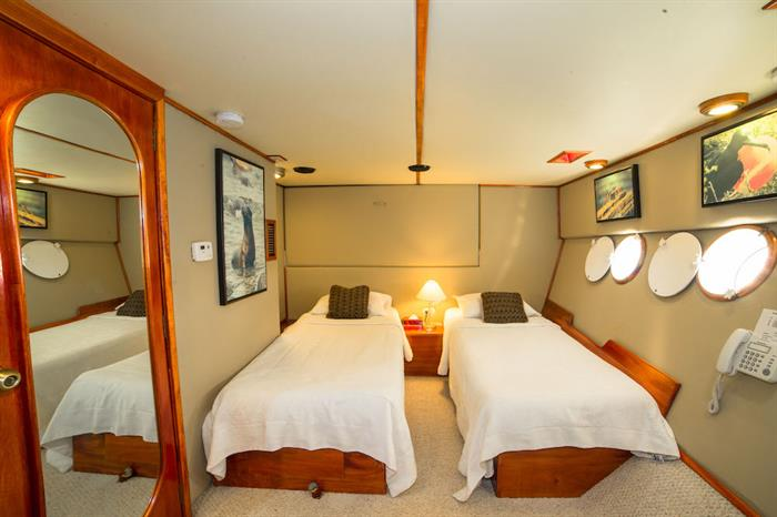 Twin cabins can be converted to doubles - Reina Silvia Galapagos