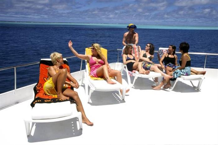 Relaxing on the sun deck - Stingray Liveaboard