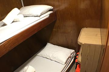 Twin Bunk non en-suite - Lower Deck