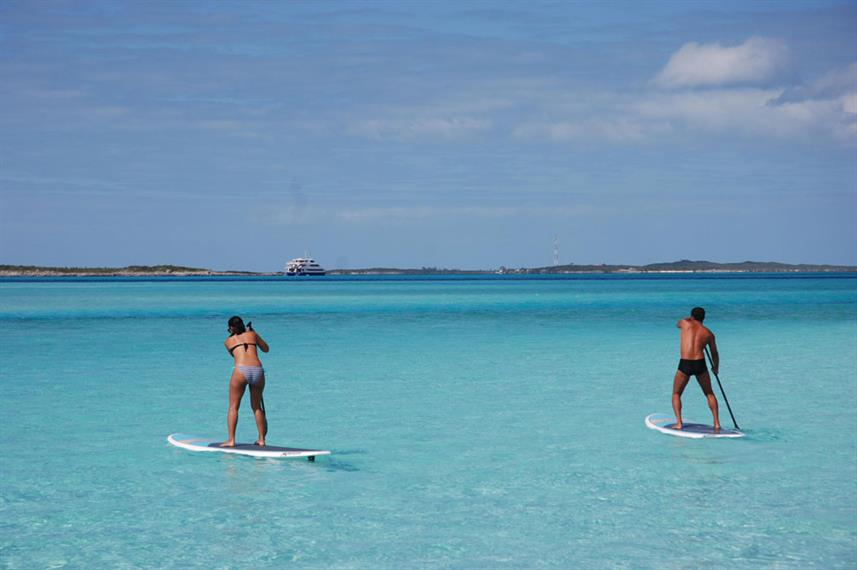 Stand-up paddleboarden  - Aqua Cat Liveaboard