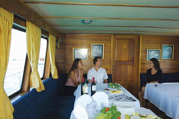 Dining Area Cachalote Yacht