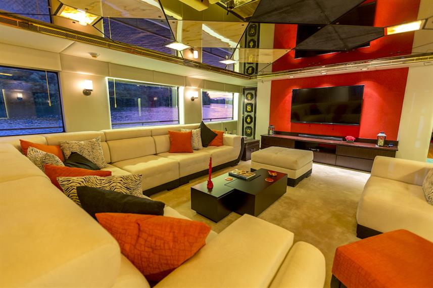 Indoor lounge & entertainment area - MY Passion Galapagos