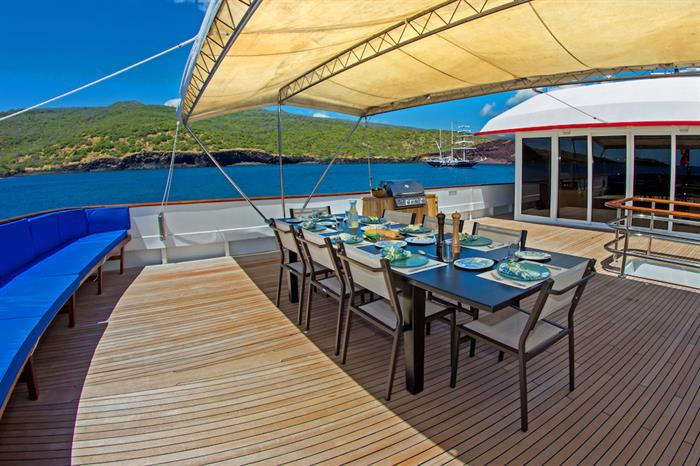 Outdoor dining area - MY Passion Galapagos