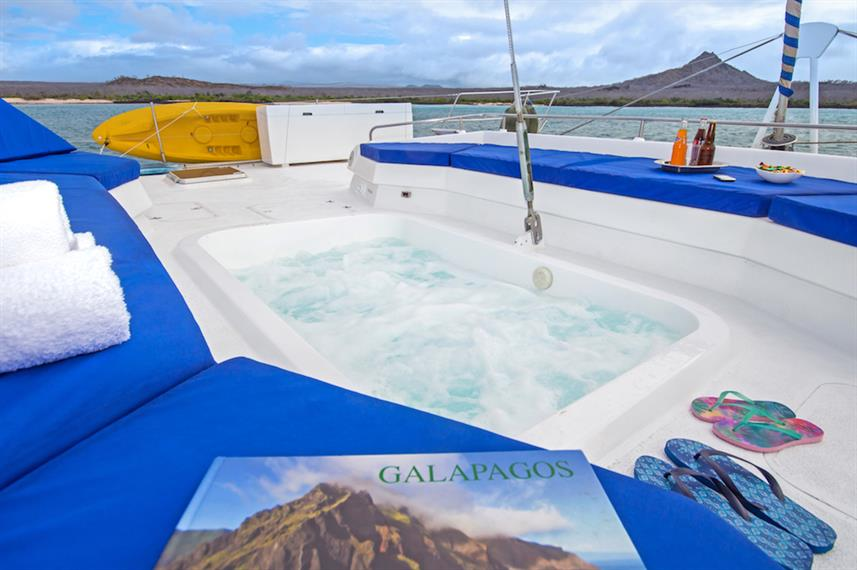 Hot tub on Nemo III Galapagos