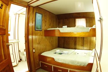 Triple Cabin Nautilus Under Sea
