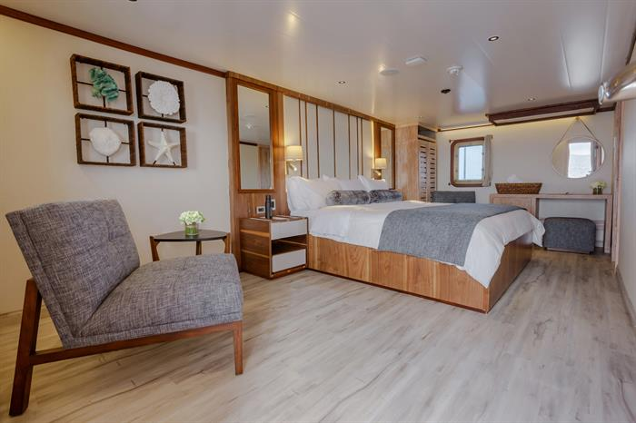 Master Suite - MV Evolution Galapagos