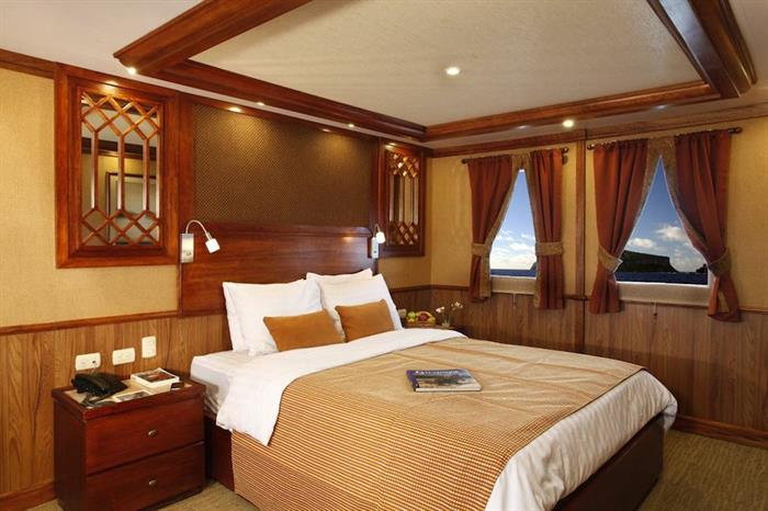 Master Suite - MY Grace Galapagos
