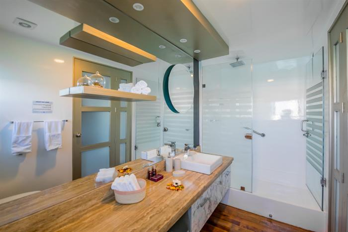 Sea Star Suite Bathroom