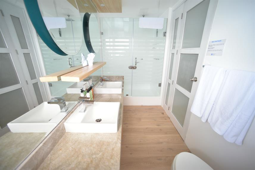 En-Suite bathrooms - Sea Star Journey