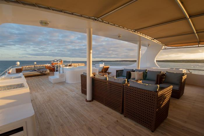 Outdoor Lounge - Sea Star Journey