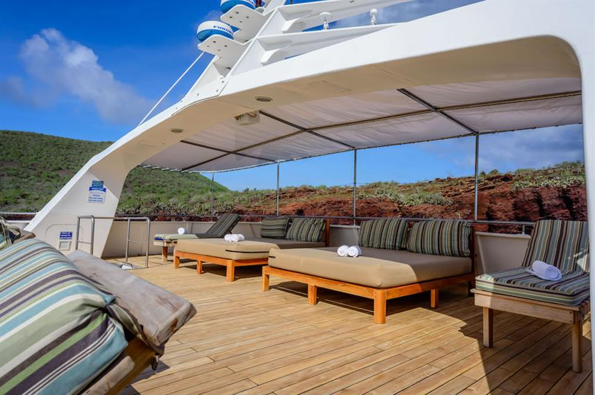 SPacious sun deck & loungers - Galapagos Seaman Journey