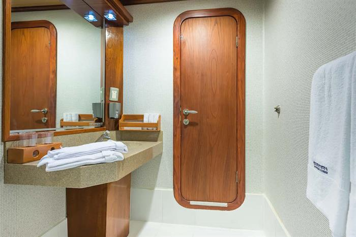 En-Suite Bathrooms - Galapagos Seaman Journey