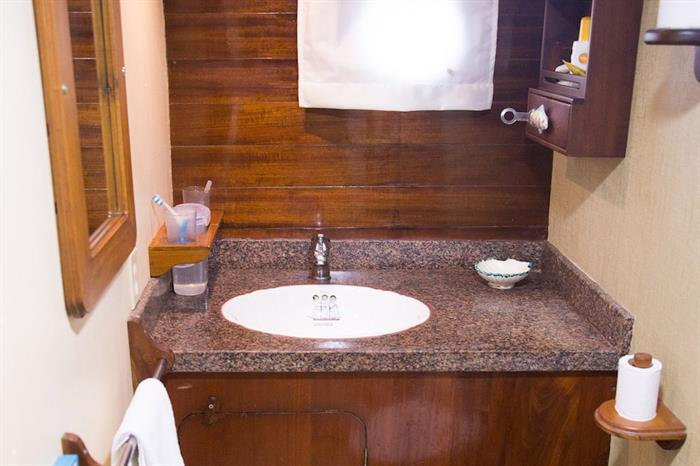 En-Suite Bathrooms - The Beagle Galapagos