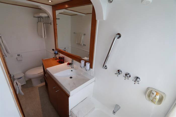 En-Suite Bathrooms - Millennium Yacht Galapagos
