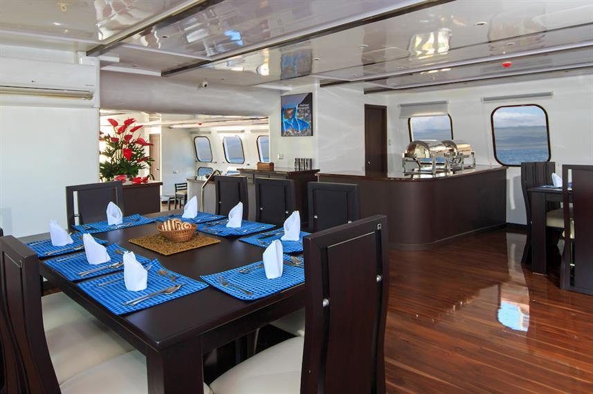 Indoor dining area - Natural Paradise Yacht Galapagos