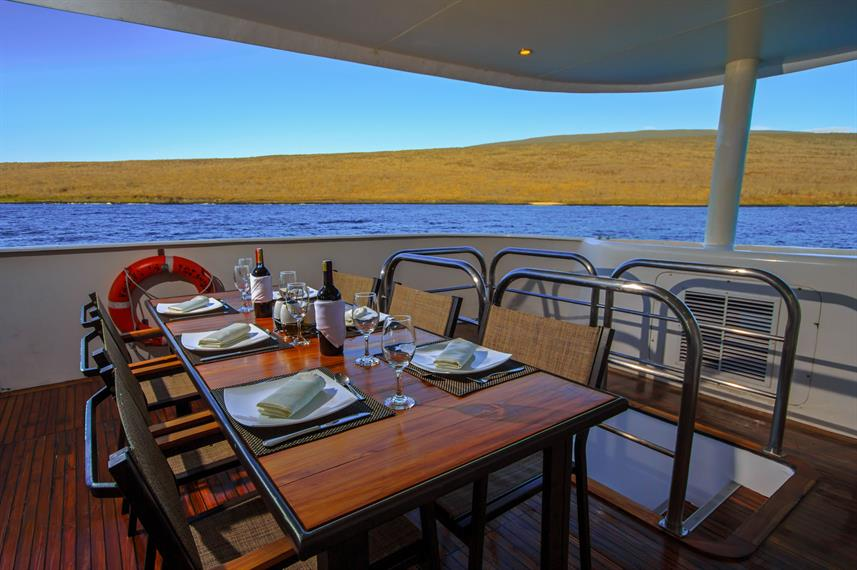 Restaurant - Treasure of Galapagos