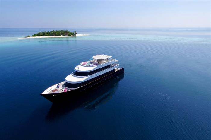 Maldives luxury yacht Azalea