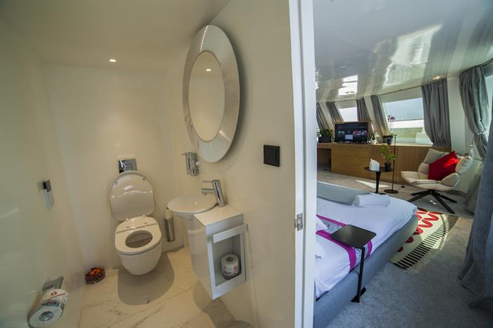 En-Suite Bathrooms - Azalea Liveaboard Maldives