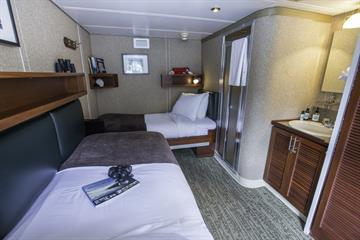 Admiralty Dream AA Cabin