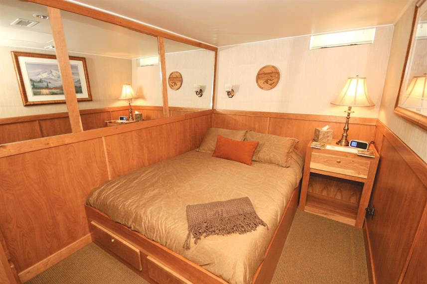 Mariner Stateroom - Safari Quest