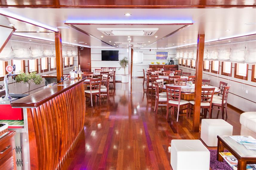 Bar & Dining Area - MV Futura Croatia