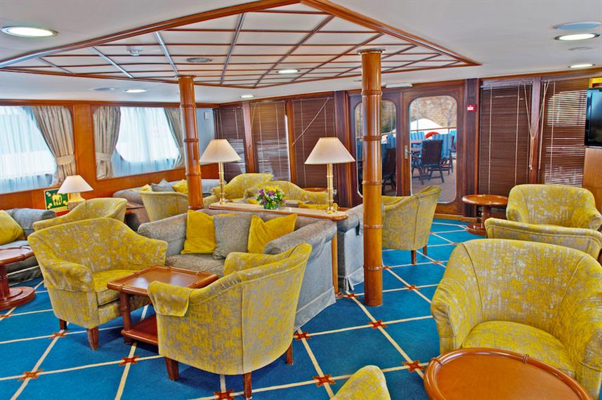 Indoor Lounge - M/Y Callisto