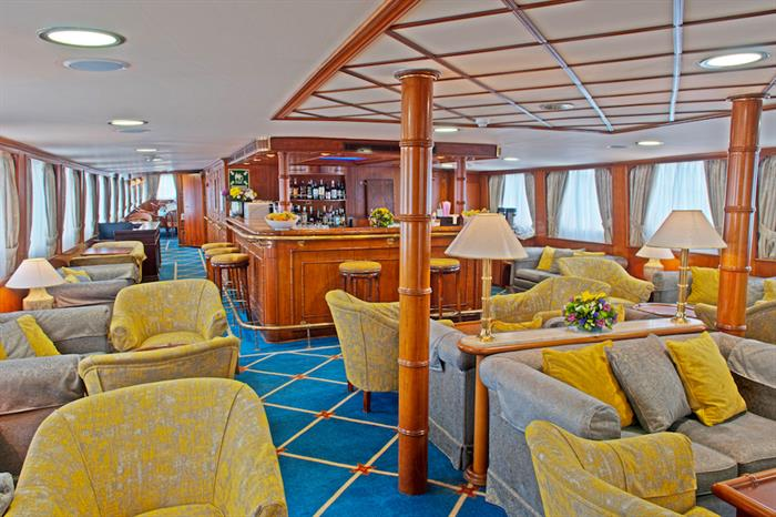 Lounge & Bar Area - M/Y Callisto
