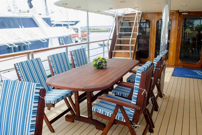 Outside Dining Area - M/Y Callisto