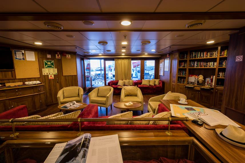 Main Deck Bar - M/S Panorama