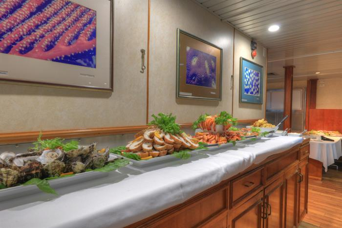 Seafood Buffet Dinner - Coral Expeditions II