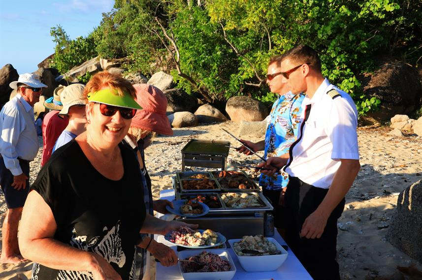 Beach BBQ - Coral Expeditions II