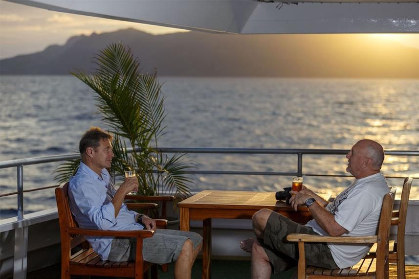 Shaded Sky Deck Bar - Fiji Princess