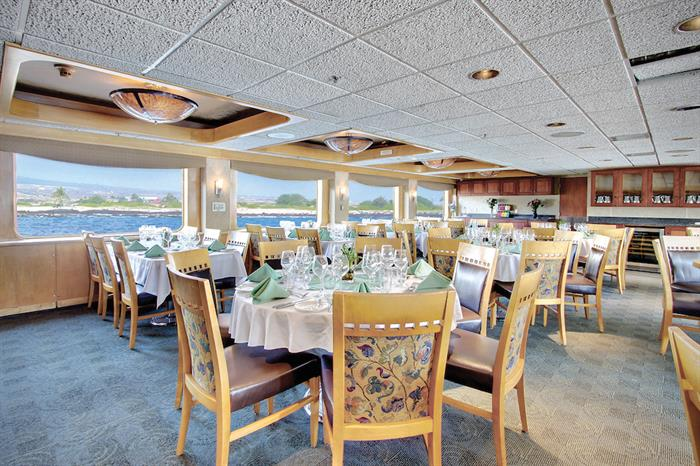 Spacious Dining Area - Safari Endeavour Alaska