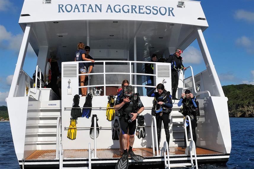 Dive deck - Roatan Aggressor